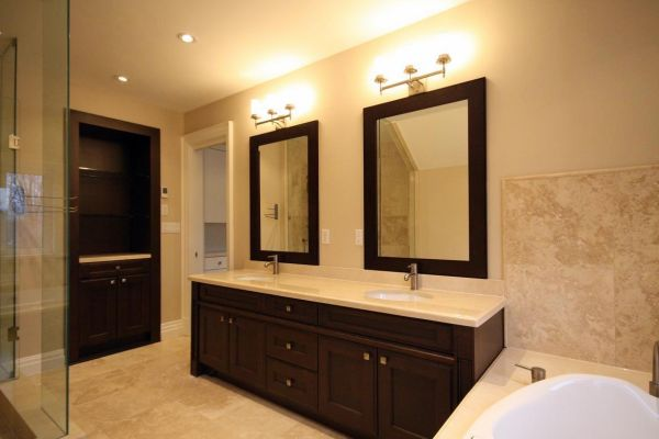 Bathroom renovation remodelling bathroom contractors for Bathroom renos images