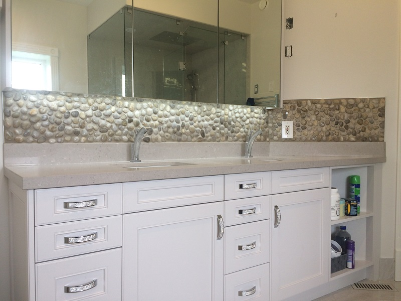 Double Vanity Sink with Rock Backslpash